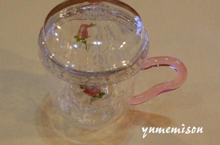 ガラスのマグカップ