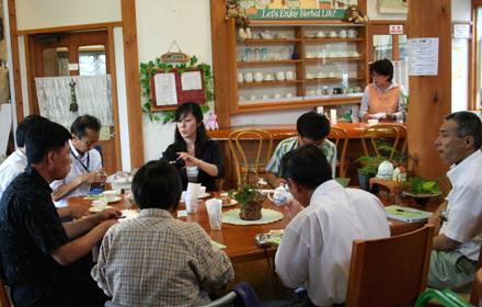 韓国全羅北道農業技術院から視察に来園されました。