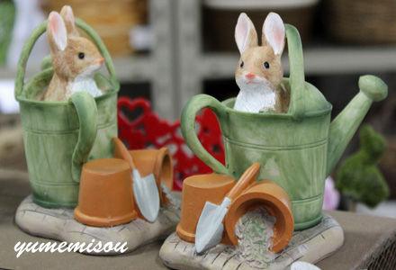 ウサギのガーデンアクセサリー