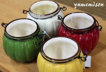 可愛い陶器のポット