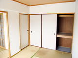 セントーレア�-和室・押入-