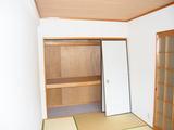 ファンタジーハウス−和室・押入−