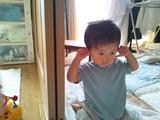 耳に指を入れる創士
