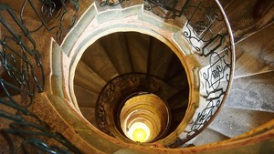 spiral-staircase-570139_1280