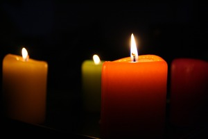 candles-685659_1920