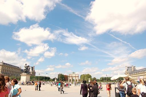 parisの青い空