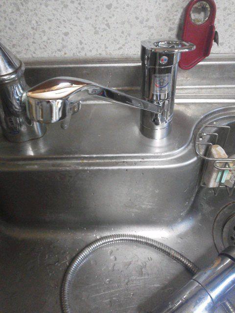 新品のキッチン水栓取り付け後