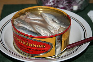 300px-Serving_Surströmming