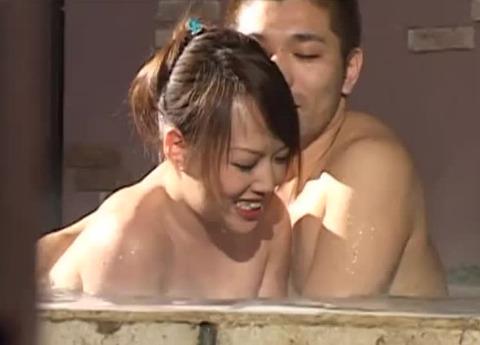 混浴温泉のお風呂でお姉さんがナンパされるドッキリ企画【盗撮/痴漢】