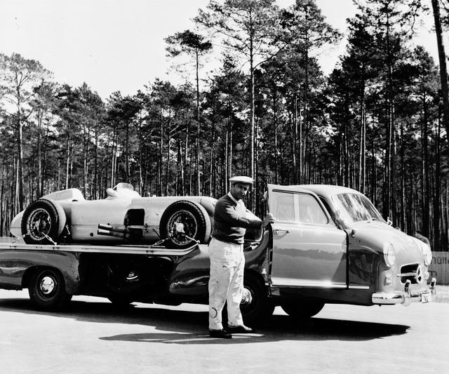 Mercedes_Benz_Blue_Wonder_Transporter_1954_04_1