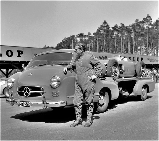 Mercedes_Benz_Blue_Wonder_Transporter_1954_02_1