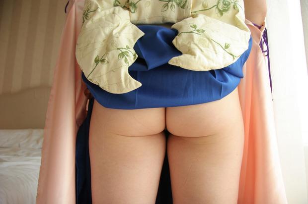 綺麗なお姉さんの乱れた和服姿 (25)