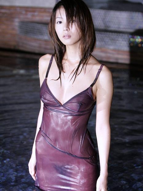 かわいい下着美女と水着とフルヌードのエロ動画像 (3)
