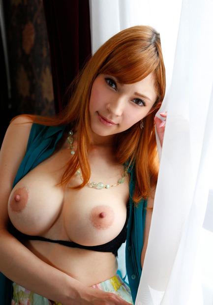 美巨乳の美女・人妻・お姉さんがおっぱいをポロリエロ動画像 (23)