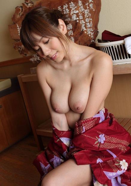 綺麗なお姉さんの乱れた和服姿 (20)