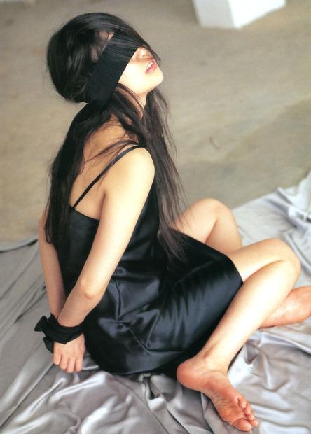 かわいい下着美女と水着とフルヌードのエロ動画像 (12)