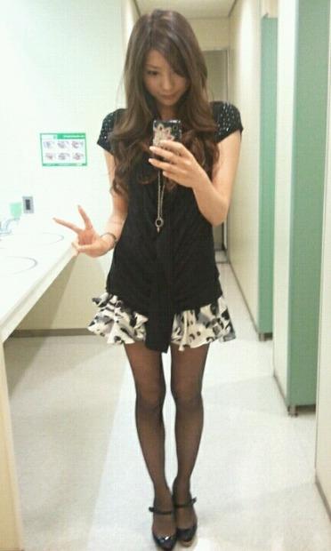 美女・美少女のおっぱい・お尻・下着姿のエロ動画像 (24)