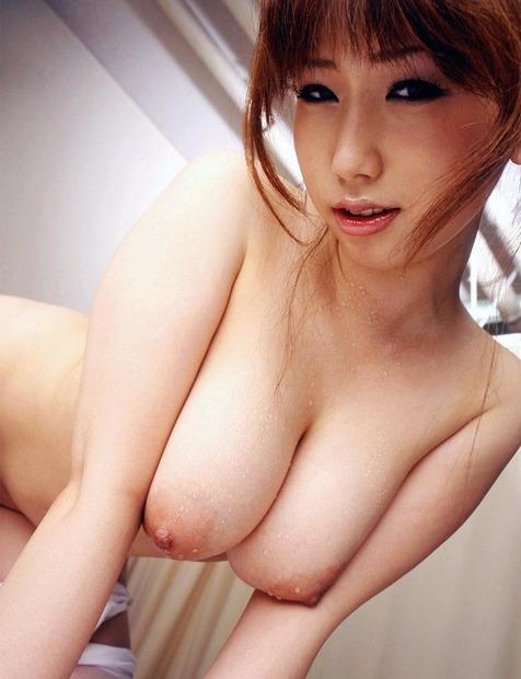 乳首を舌でコロコロ転がしたくなる巨乳の美女・お姉さん・人妻 (23)