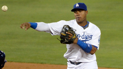 la-sp-dn-dodgers-option-arruebarrena-20140824