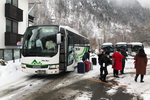 冬の奥飛騨 (9) 新穂高ロープウェイ1