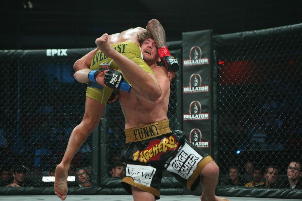 Bellator MMA - FOOTBALL WEEKLY...