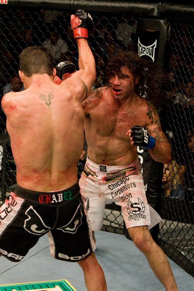 UFC - FOOTBALL WEEKLY - ライブ...