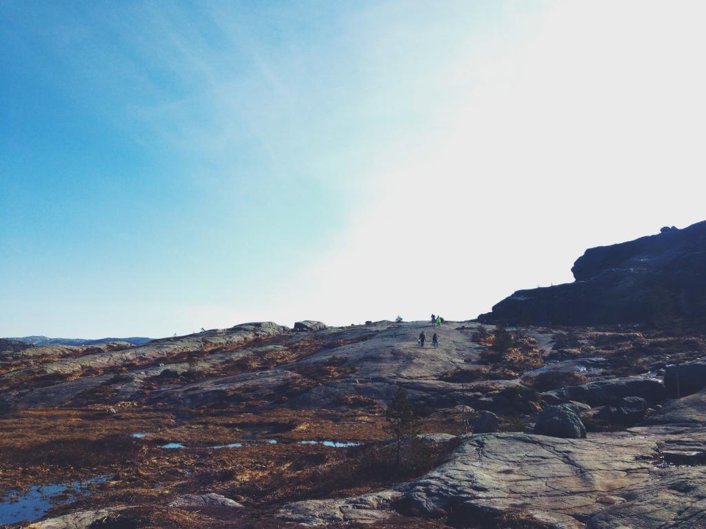 材料を入力 壁紙があるためロック トレッキング ハイキング アウトドア 自然 空 晴れ 高精細画像はヴィヴィそれを書きました 壁紙