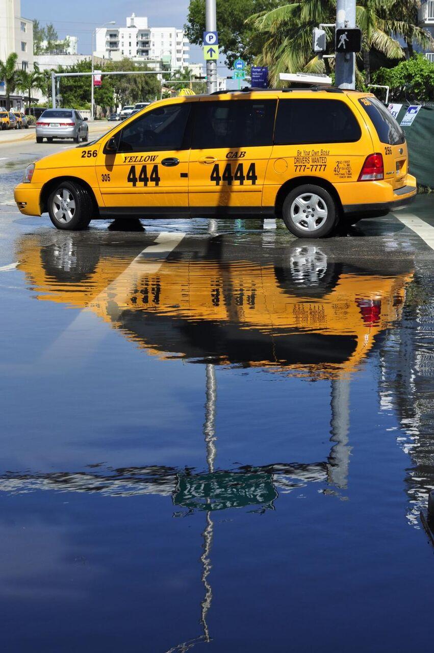 タクシー 反射 Iphoneの壁紙アメni Ko Kaいいっマイアミ 通り タクシー 黄色 タクシー 車 高精細の画像 材料を入力します 壁紙