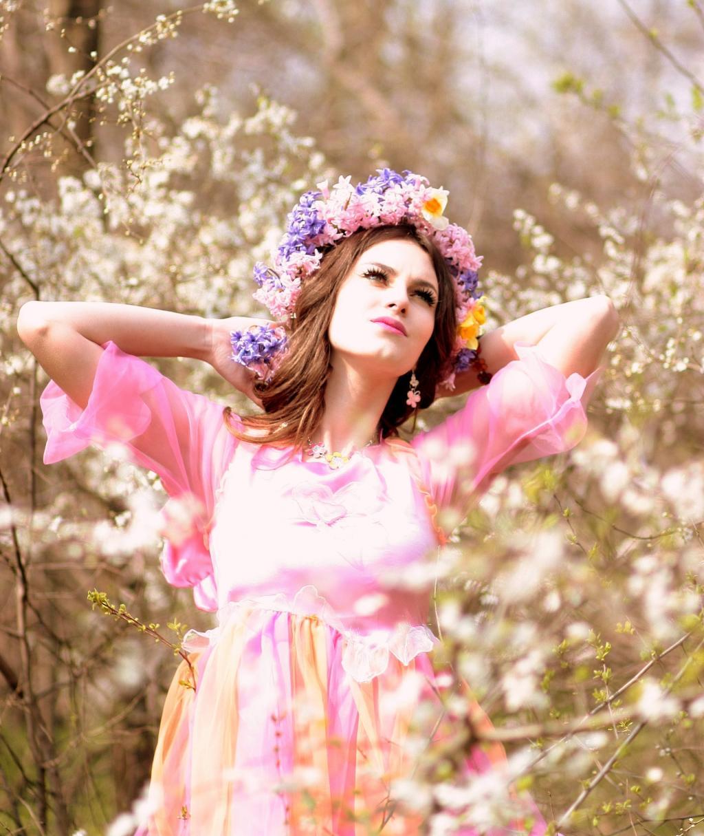材料を入力する 女の子 春のiphoneの壁紙お市ゃは私が泣く 花 花輪 幸せ 白 ピンク 高精細画像作ら 壁紙