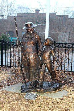 240px-Statue_of_Harriet_Tubman_Ypsilanti_Michigan