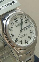デイ&デイト機能とパーフェックス搭載したメンズソーラー電波時計