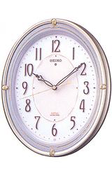 部屋が暗くなるとライトが自動で点灯する掛け時計