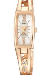 白蝶貝文字板やバンドにキュービックジルコニアを6個配すなど華やかなジュエリーデザインの時計です