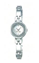 白蝶貝ダイヤルを採用した女性用腕時計