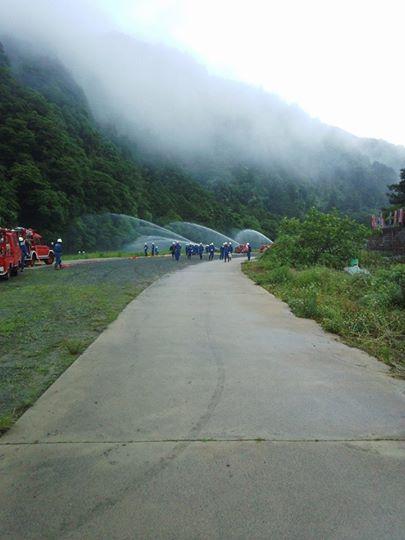 消防団の模擬火災訓練
