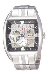 50年代の黒系の車をモチーフにした腕時計