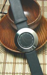 針のない腕時計?ABACUS(アバカス)2-861049