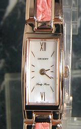 美の象徴でもある薔薇をモチーフにした女性用腕時計レディーローズWL0031RB
