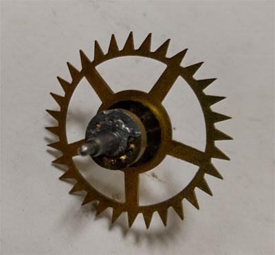 ゼンマイ式掛け時計の機械修理