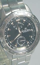 都市刻印回転ベゼルを装備した黒色文字板の機械式時計
