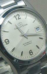 シックな装いに最適なアンティークシルバーのボーイズサイズの自動巻き時計です