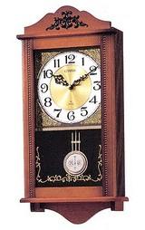 木枠の柱時計