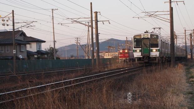 貨物と電車