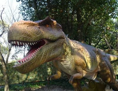 彡(^)(^)「答えが二桁になる難しい足し算は頭の中に恐竜を召喚して解いてる」