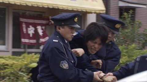 【悲報】仮面ライダー、逮捕