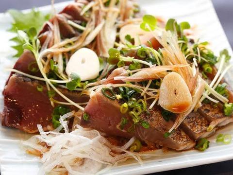 カツオのたたきとかいうコスパ最強の食べ物wwwww