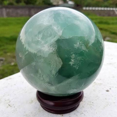 昔の中国人「緑と白が混じった宝石あるな…」
