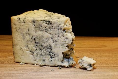 排泄音みたいな名前のチーズで打線組んだ