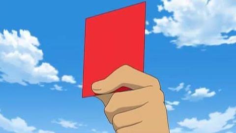 【なんJ】(ヽ´ん`)「サッカーの審判ってカード何枚持ってるんだ?」