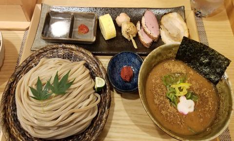 【画像】1900円(税込)のつけ麺wwwwwwwwwwwwwwwwwwwwwwww